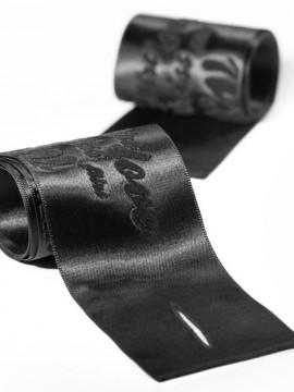 Silky sensual handcuffs - Menottes